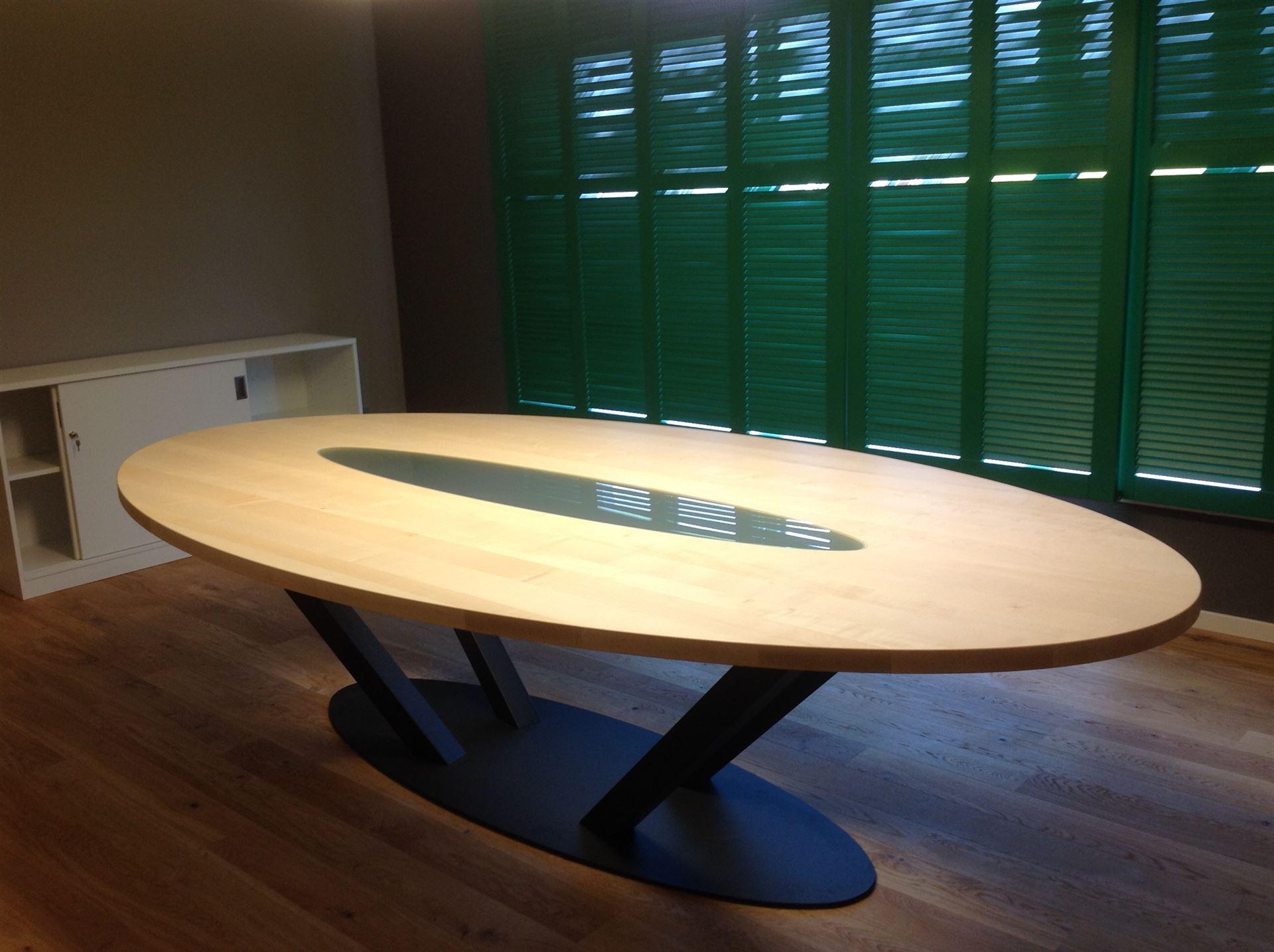 haas mbel tisch amazing ovaler tisch mit glaseinsatz und metall with haas mbel tisch top. Black Bedroom Furniture Sets. Home Design Ideas
